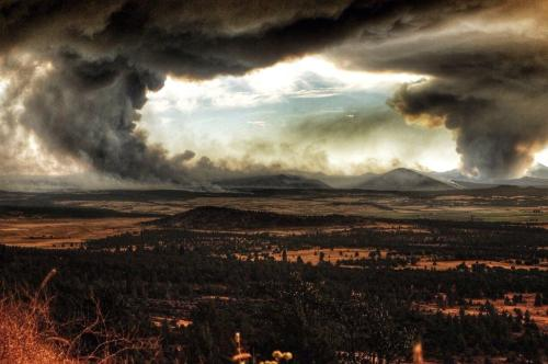Smoke rises from the Eiler Fire and Bald Fire. Photo by Ryan Albaugh